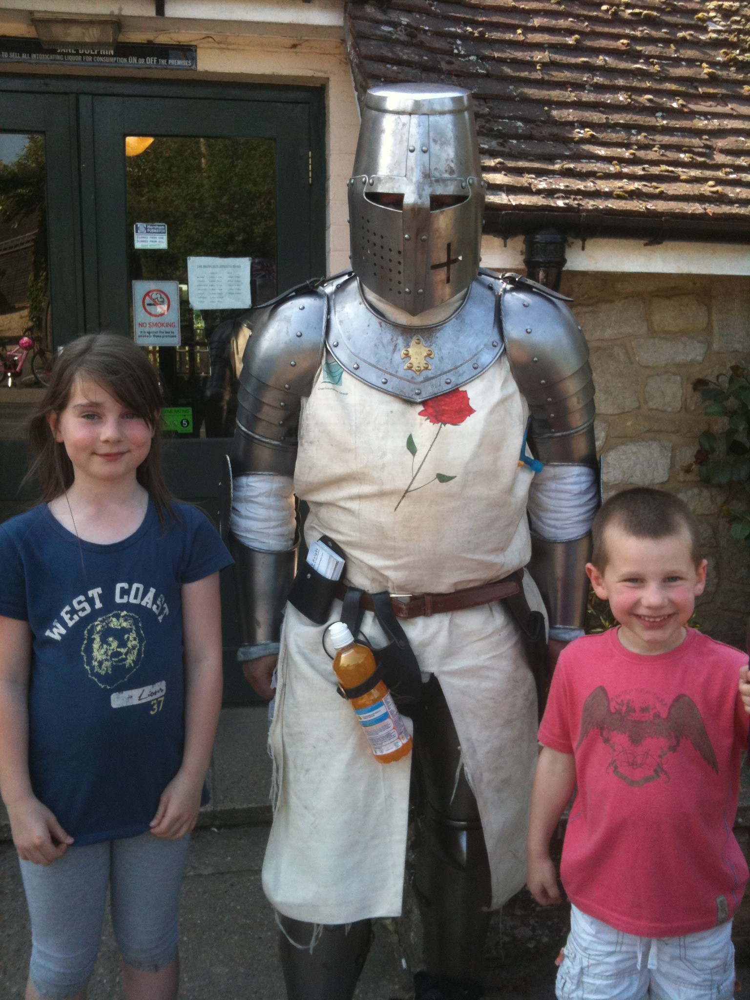 Tori & Richard Higglesden with The Lonely Knight at The Rising Sun